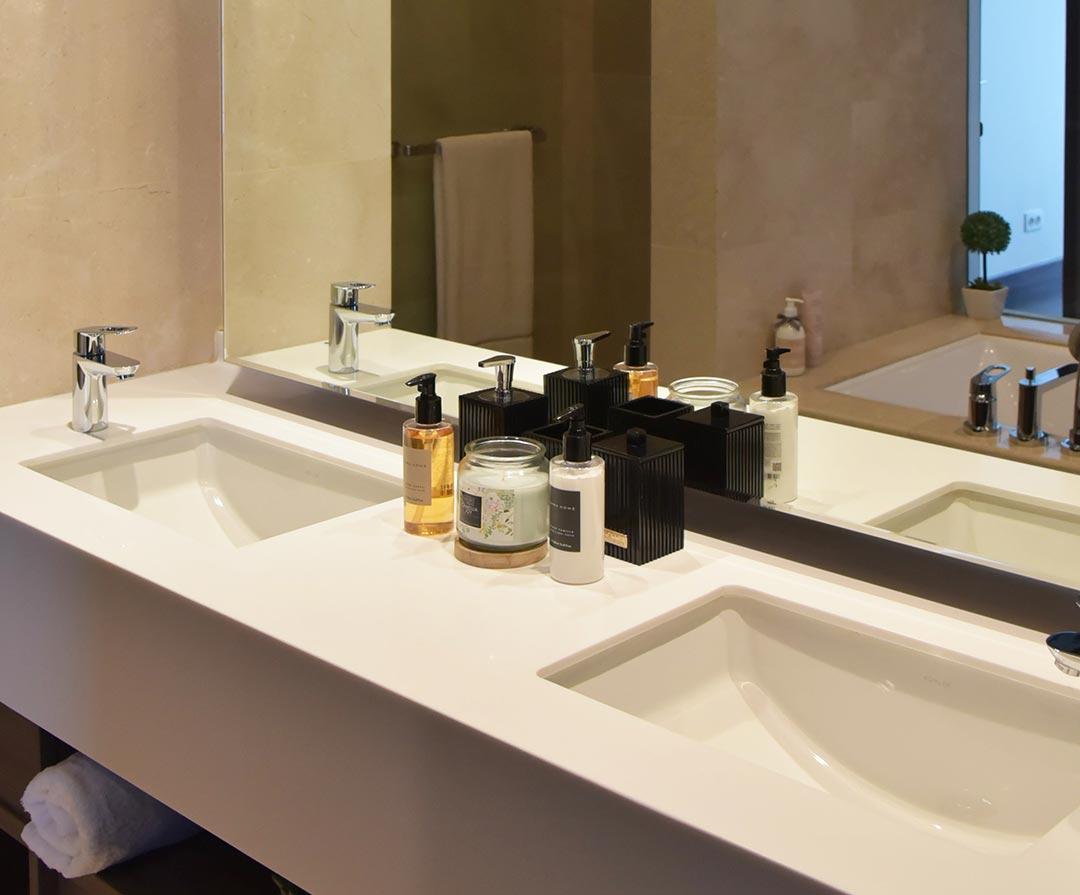 2 Bedroom, Type D Bathrooms